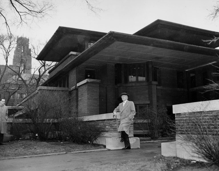 Frank lloyd wright the organic architect for Architecture wright