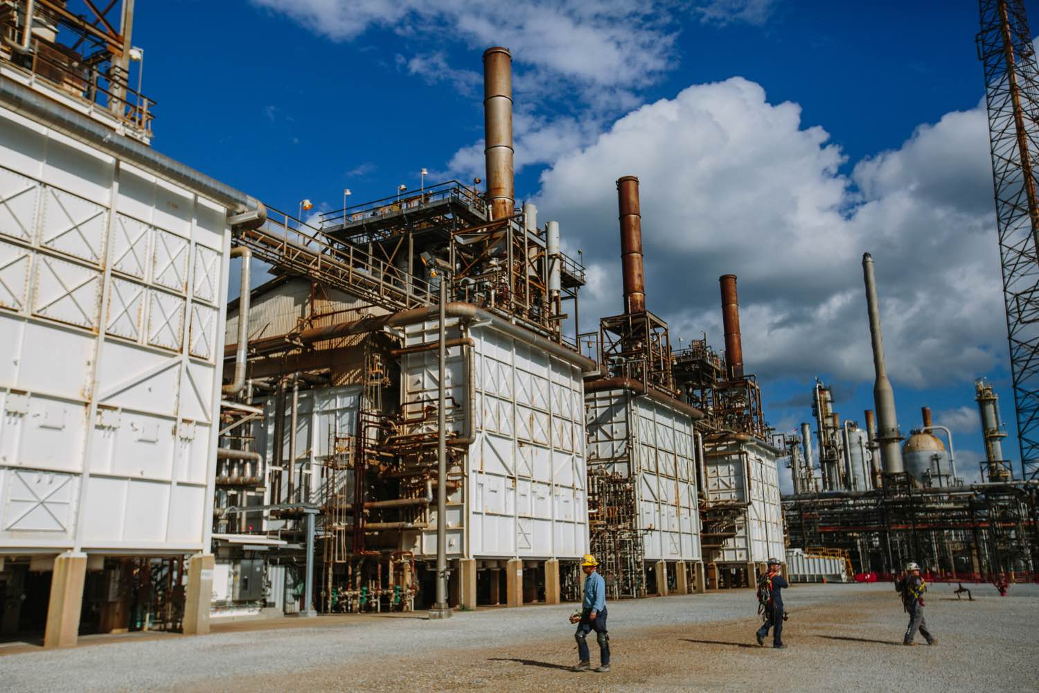 Preparing for Chemical Valley: Life between two Shell plants ...