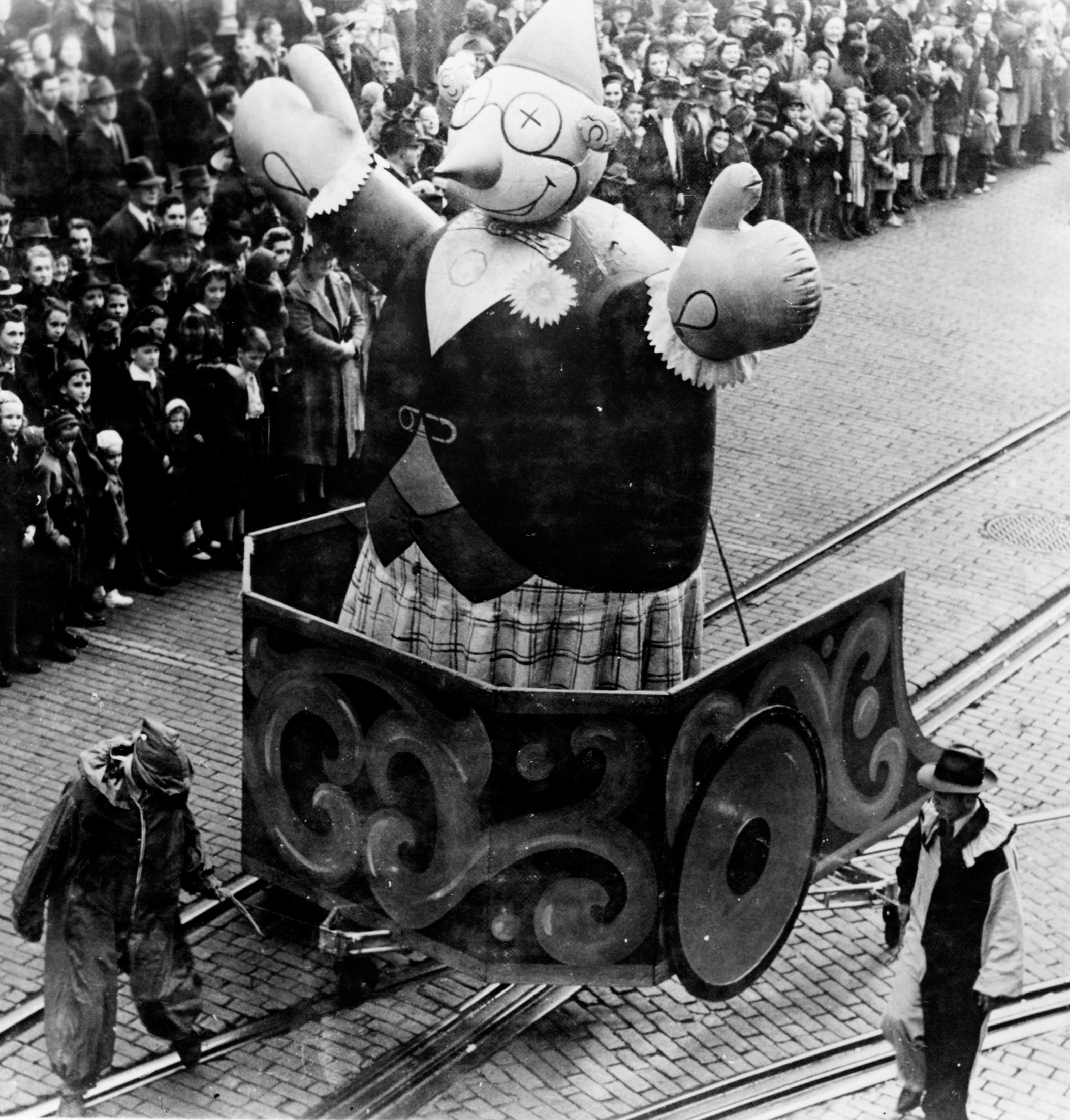 The Pittsburgh Christmas Parade In November Of 1956. (Post